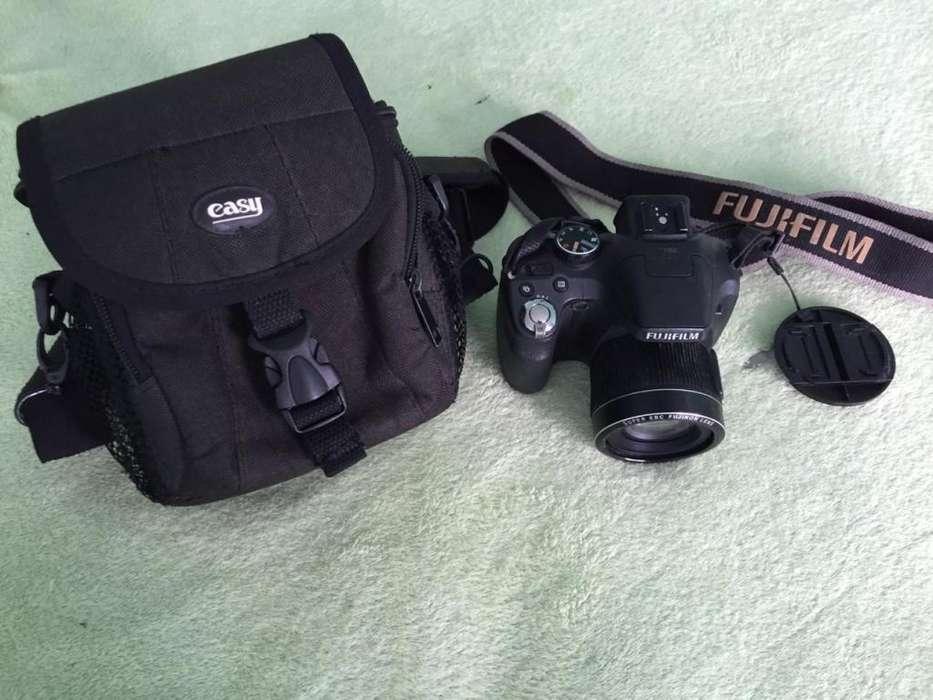 Camara Fujifilm SL300