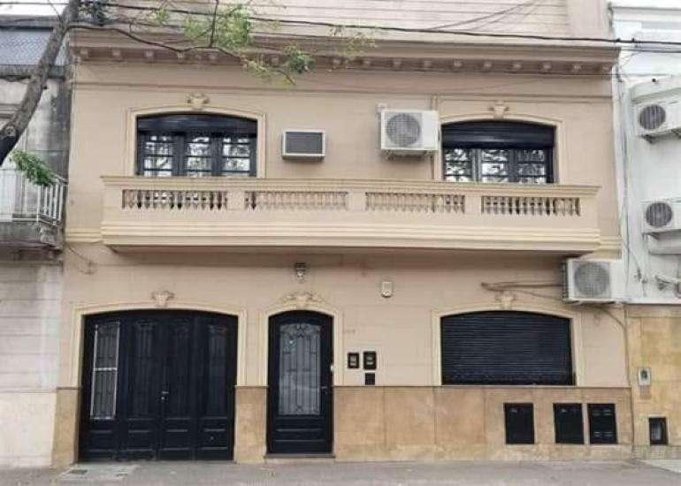 MB Negocios Inmobiliarios VENDE Lavalle 1218, Planta baja. PH. 2 dormitorios. Garage, quincho , parrillero.