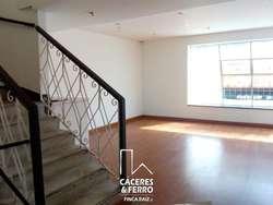 Casa En Arriendo En Bogota Galerías Cod. ABCYF21130