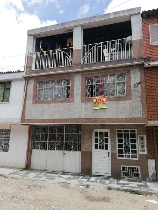 Se vende casa en La Alqueria, La Fragua, 3 pisos, 4 apartamentos, Garaje, Buen precio, Cod.4650444