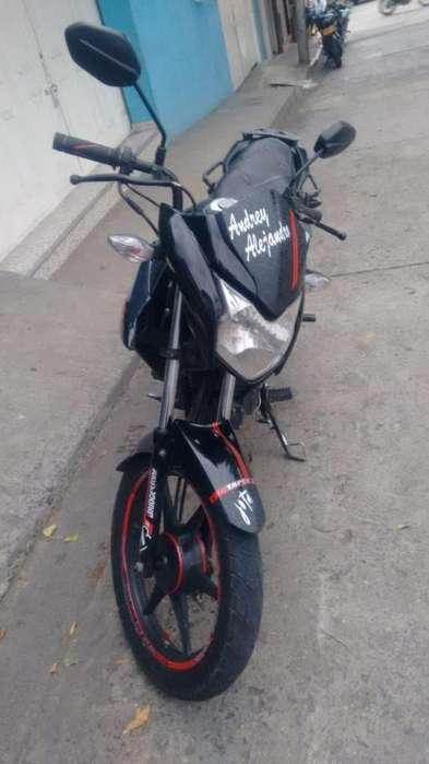 Vendo Honda CB 110 2013 al dia, lista para traspaso