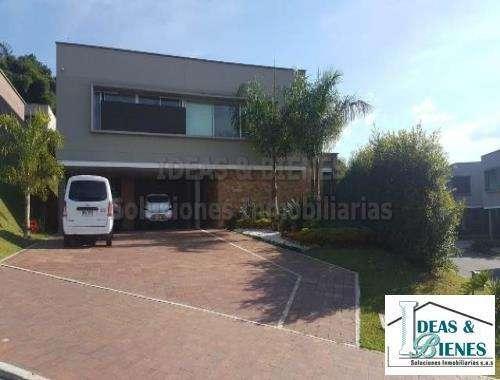 Casa En Venta Envigado Sector Montessori: Código 695997