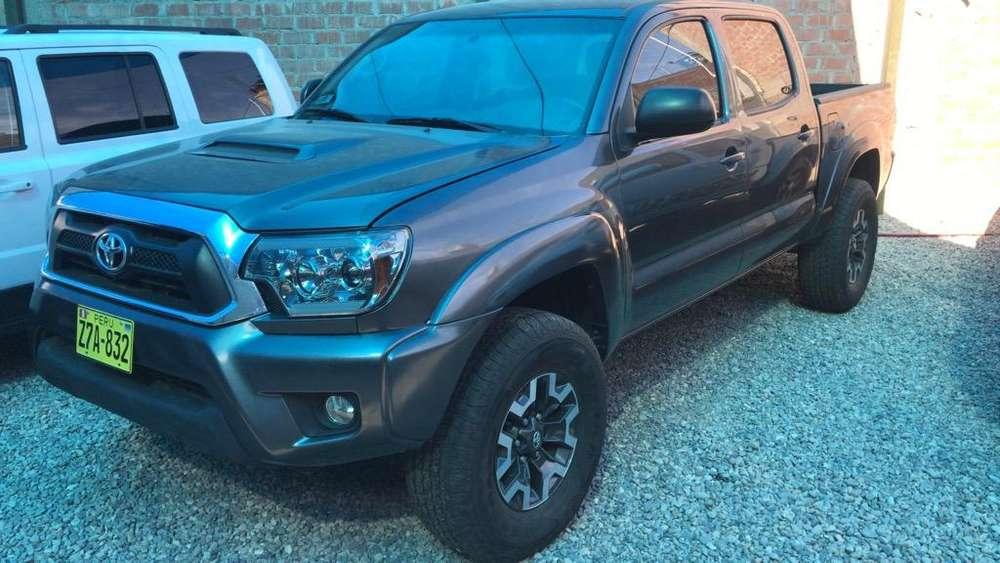 Toyota Tacoma 2014 - 27200 km