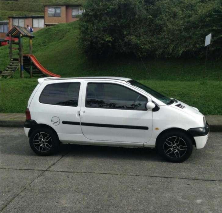 Renault Twingo 2004 - 143000 km