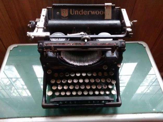 maquina de escribir UNDERWOOD 1910
