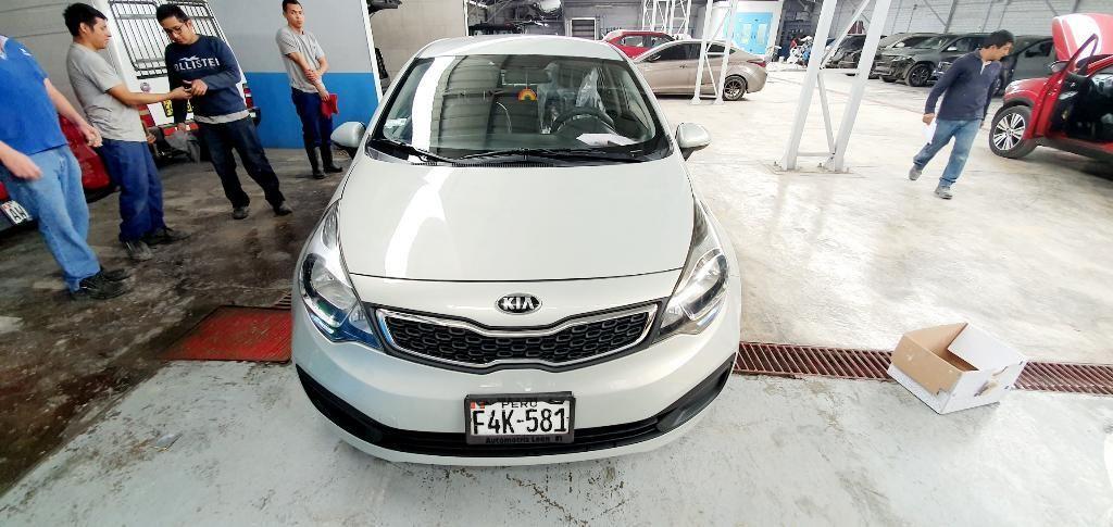 Vendo Kia Río Sedan Semi Full Particular