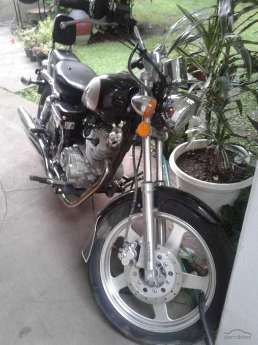 <strong>moto</strong> CHOPERA GUERRERO GMX150