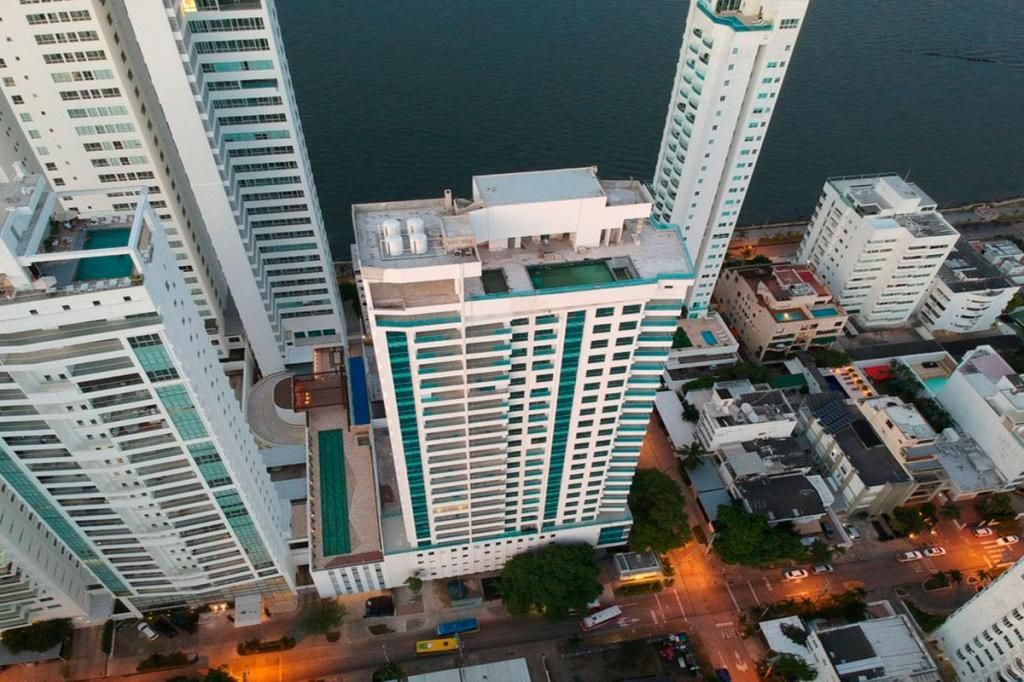 Apartamento En Venta En Cartagena Castillogrande Cod : 10623