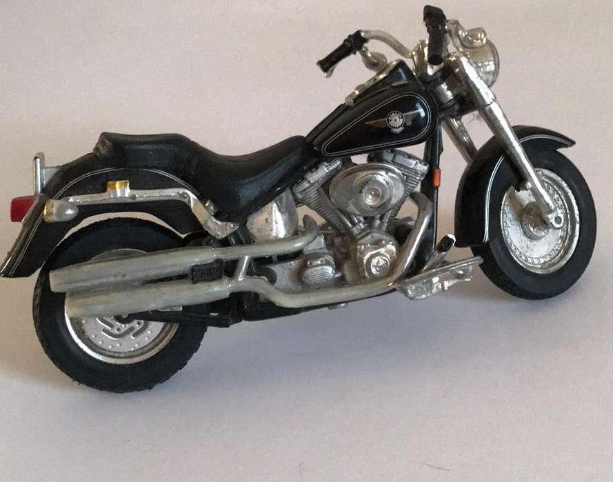 Harley Davidson 1:18