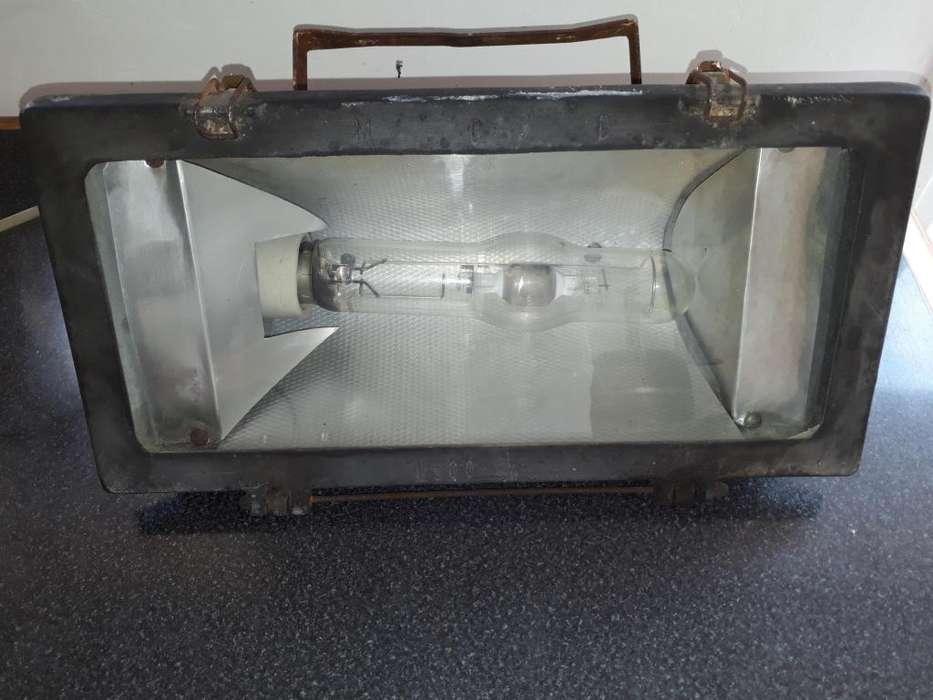 artefacto de iluminación lampara HQI