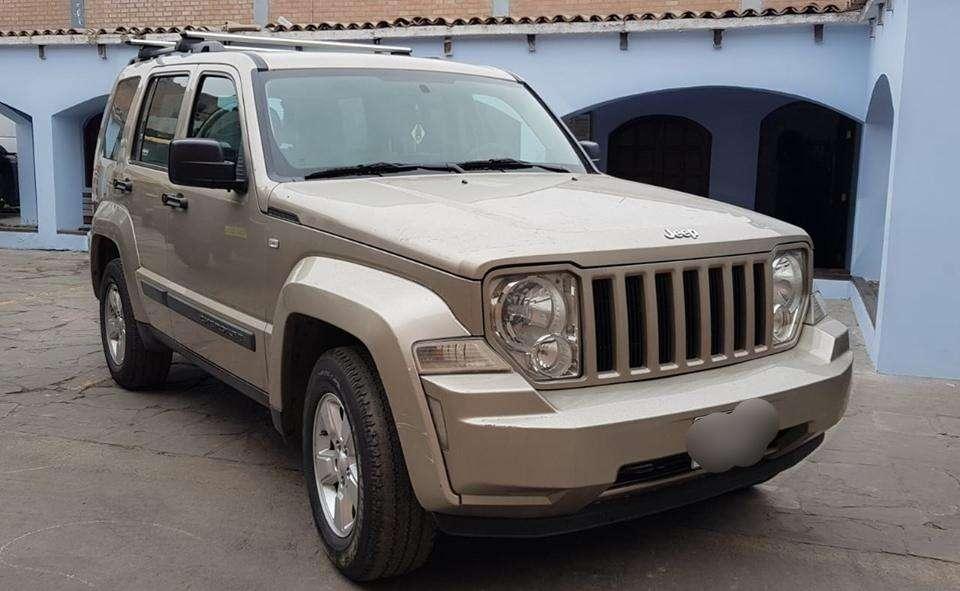 Jeep Cherokee Sport Año 2009