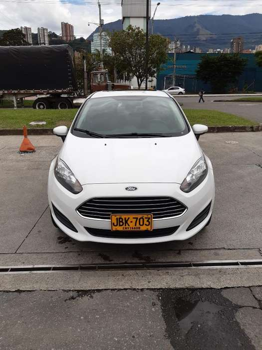 <strong>ford</strong> Fiesta  2015 - 32000 km