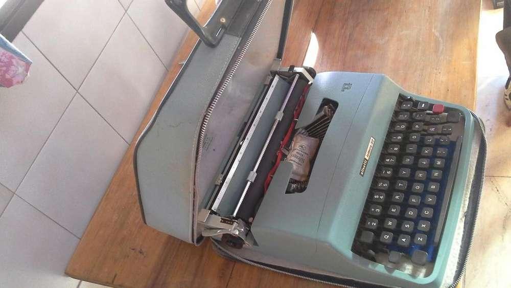 Vendo máquina de escribir Lettera 22, para coleccionistas