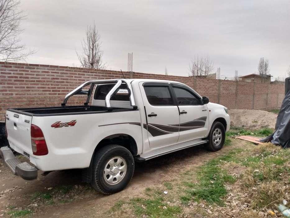 Toyota Hilux 2013 - 156000 km