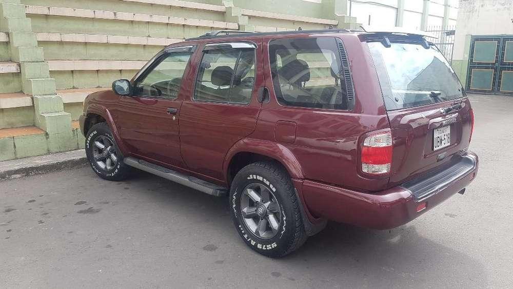 Nissan Pathfinder 2004 - 100000 km