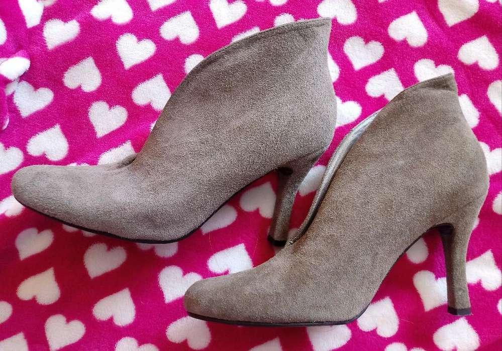 Se Vende Zapatos, Botas Y Botines