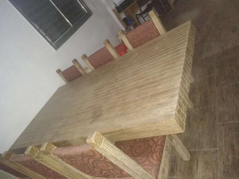 Vendo Mesa de Algarrobo