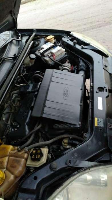 Ford Fiesta  2003 - 10000 km
