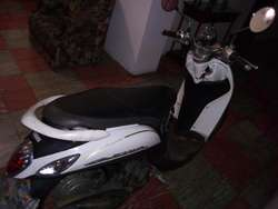 Vendo Moto Yamaha fino bonita!! ganga-!!