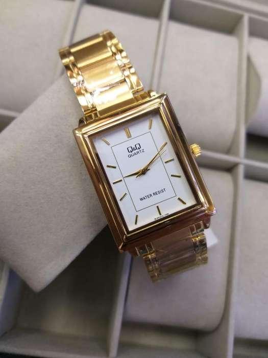 Reloj Q&q Sumergible para Dama