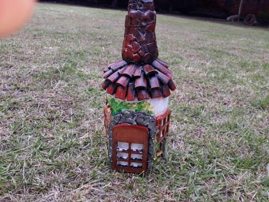 Botella de Vidrio Casa Rústica