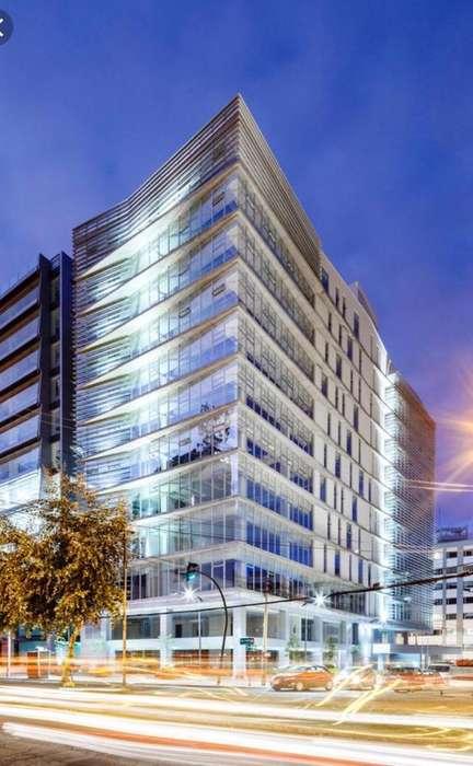 Arriendo oficina a Estrenar 200 m2 Edif. Titanium Plaza, Av República