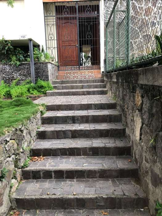 Vendo Casa Col Escalon