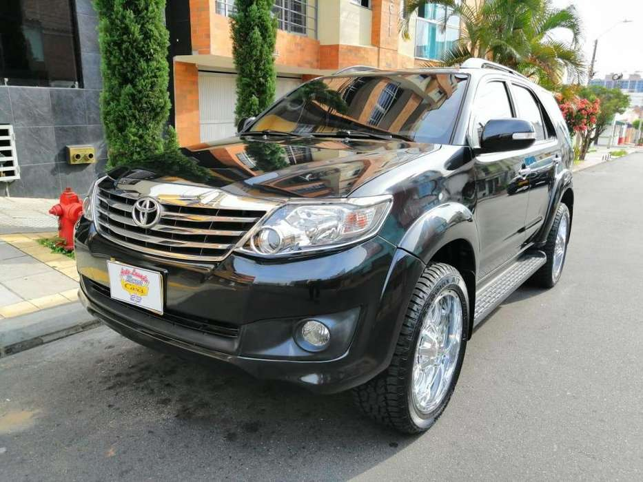 Toyota Fortuner 2013 - 69000 km