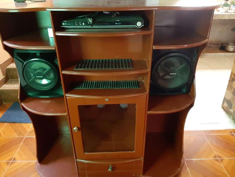Vendo Mueble para Equipo de Sonido