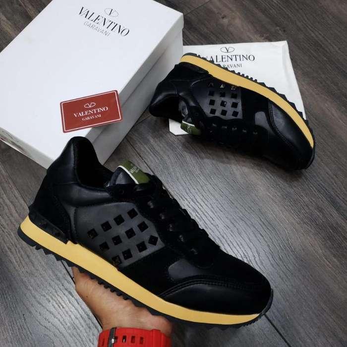 Zapatillas Valentino Garabani