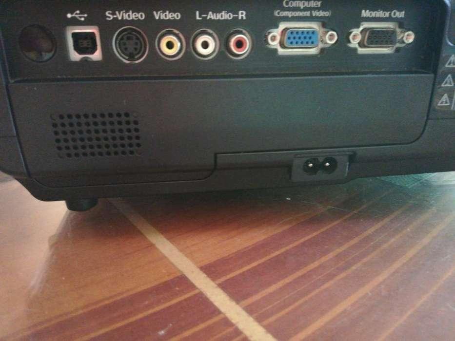 Proyector Epson Modelo : Emp S5