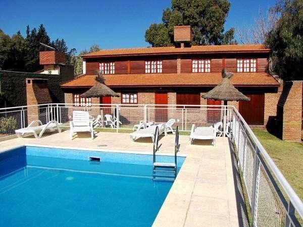 ns84 - Cabaña para 2 a 7 personas con pileta y cochera en Villa De Merlo