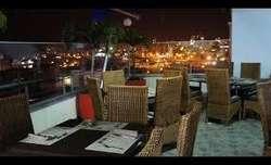 PRESTIGIOSO HOTEL EN EXCELENTE ZONA COMERCIAL
