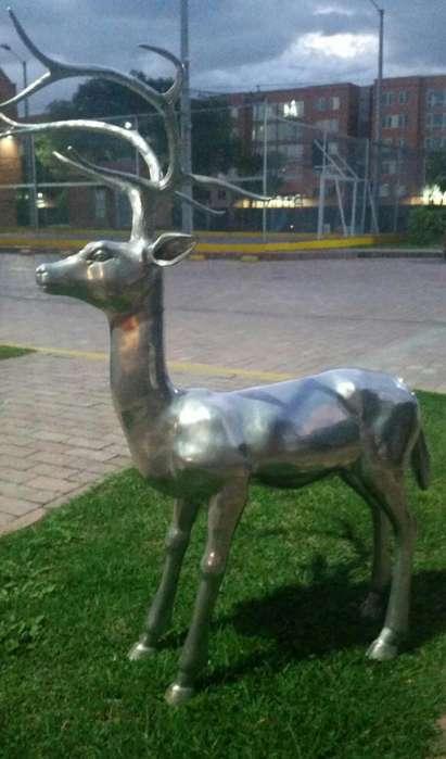 Ciervo Reno de Aluminio Plata