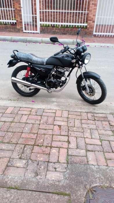 Vendo Moto Casi Nueva