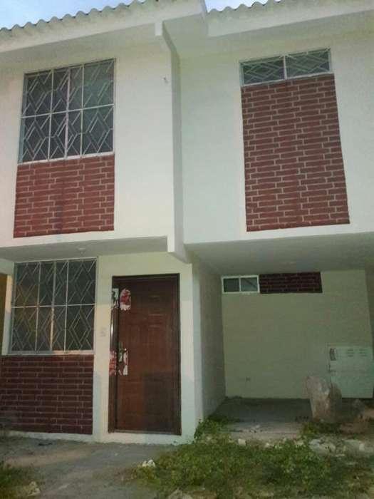 Vendo Casa en Mucho Lote 2 Plaza Victori