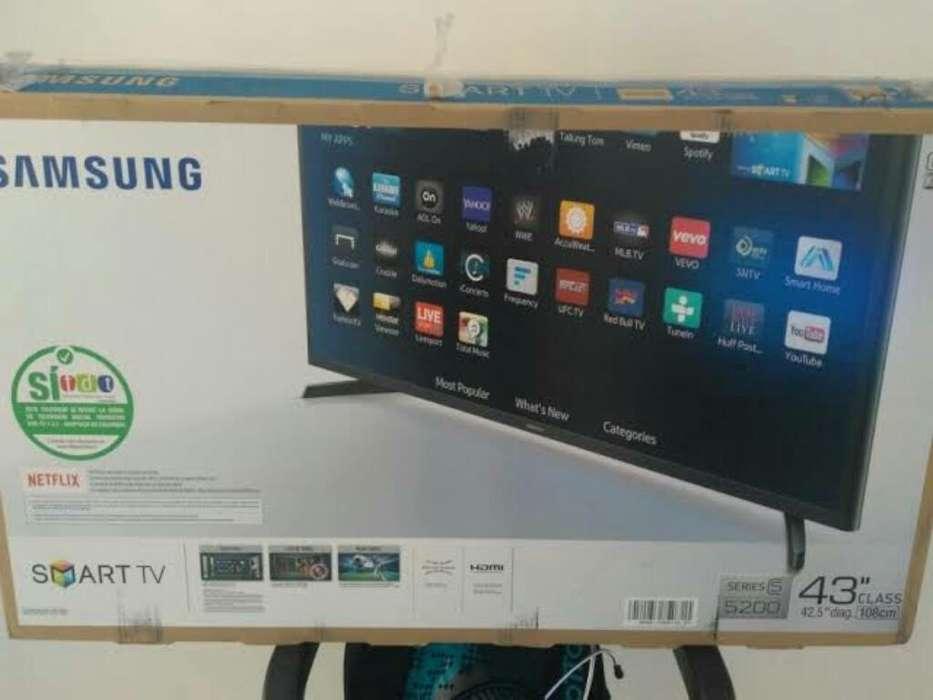 Smart Tv Samsung 43' con Detalle.
