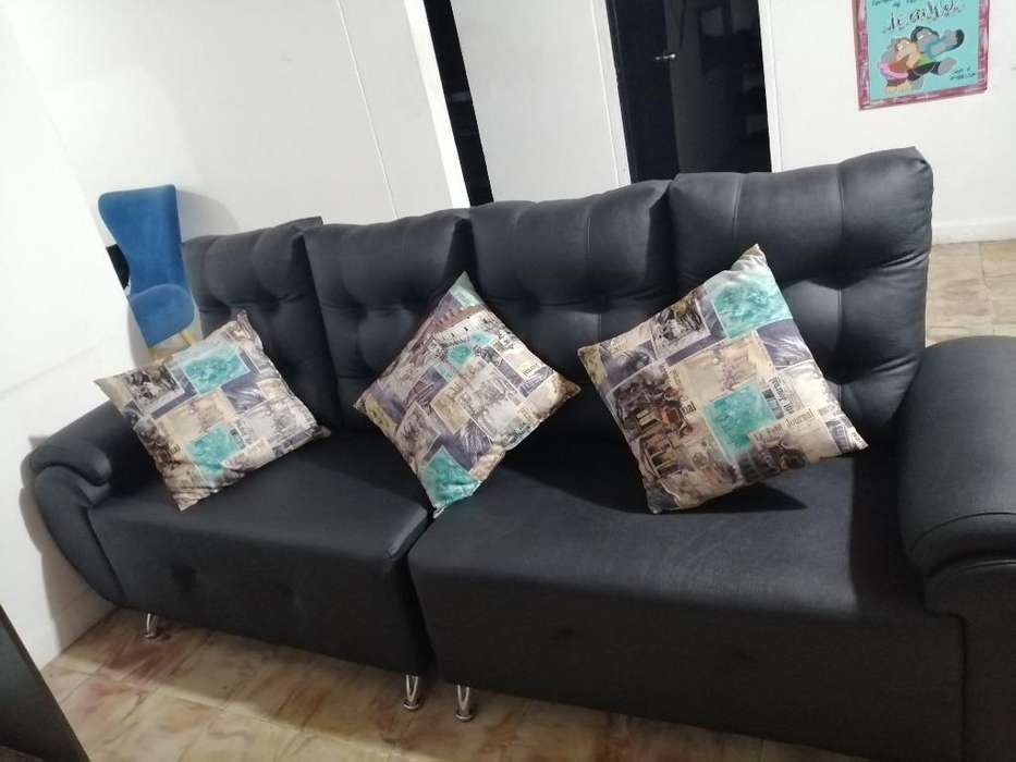 Vendo Muebles con Mesa de Centro