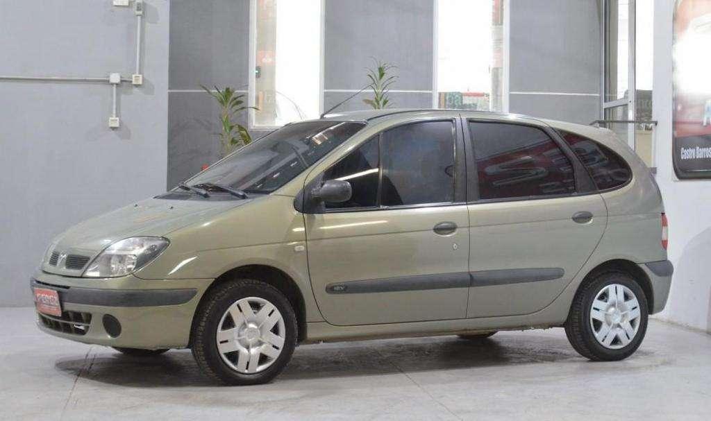 Renault scenic 1.6 16v nafta 2005 5 puertas color gris plata