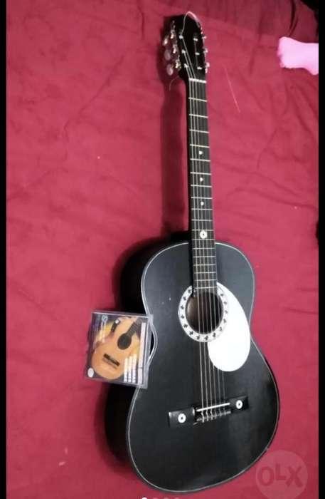 Vendo <strong>guitarra</strong> Más Un Cambio de Cuerdas