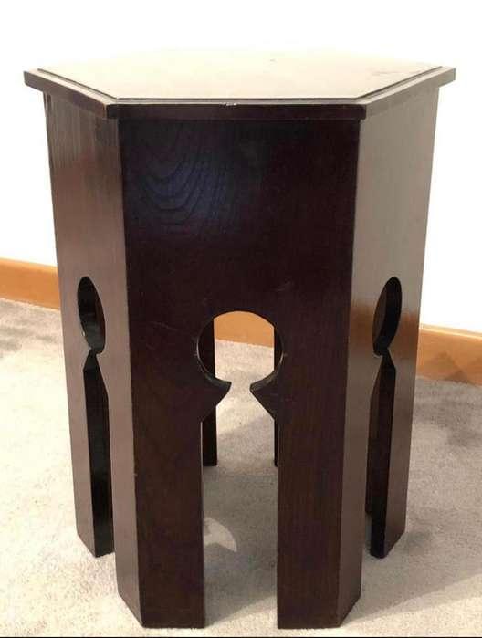 Mesa auxiliar estilo marroquí madera en roble. usada perfecto estado.