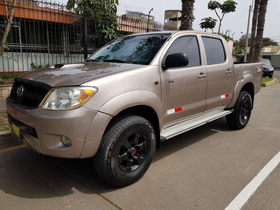 Toyota Hilux 2006 - 85200 km