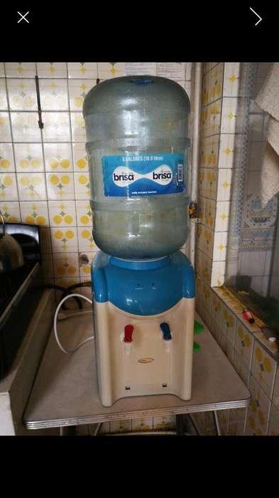 Dispensador de Agua Caliente Y Al Clima