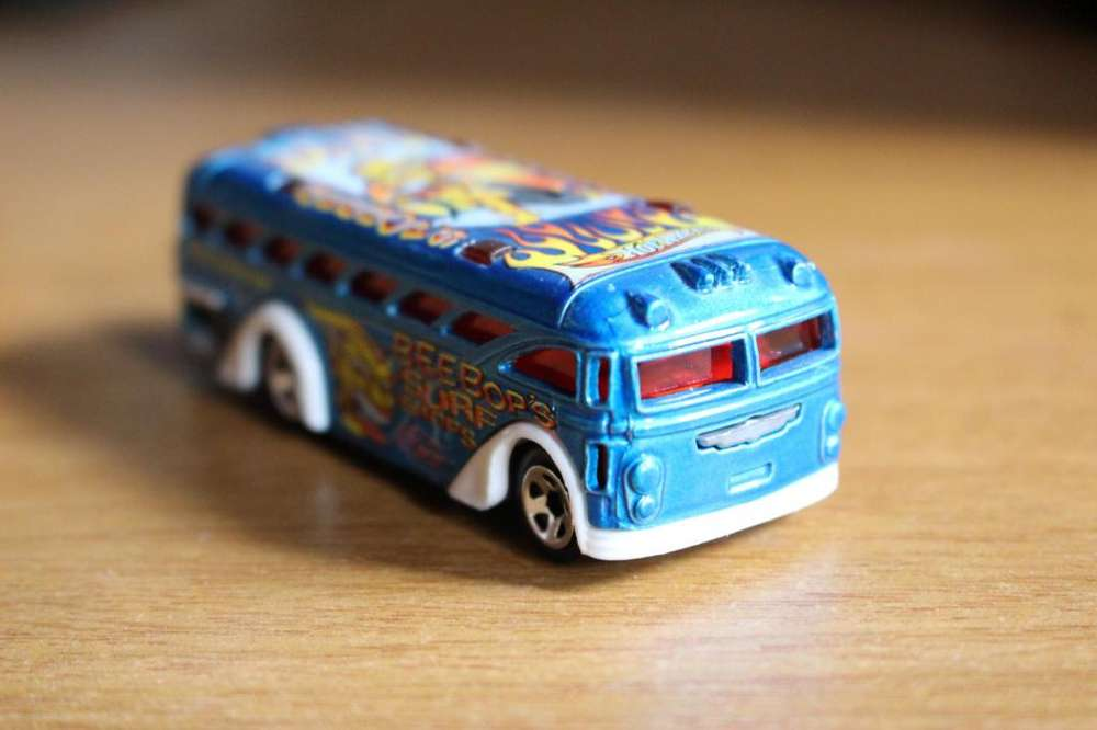 HotWheels Malasia Surfin' School Bus