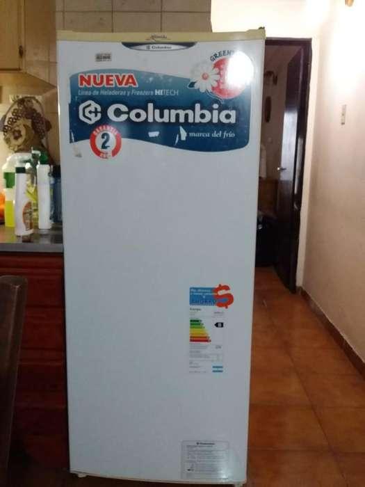 Heladera Columbia con <strong>congelador</strong>