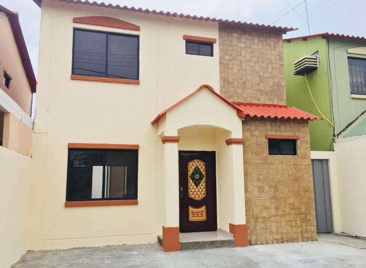 Alquilo Casa en Villa Club