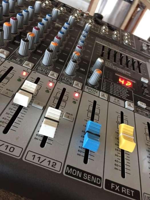 Mesa de Mezcla 12 Canales England Audio