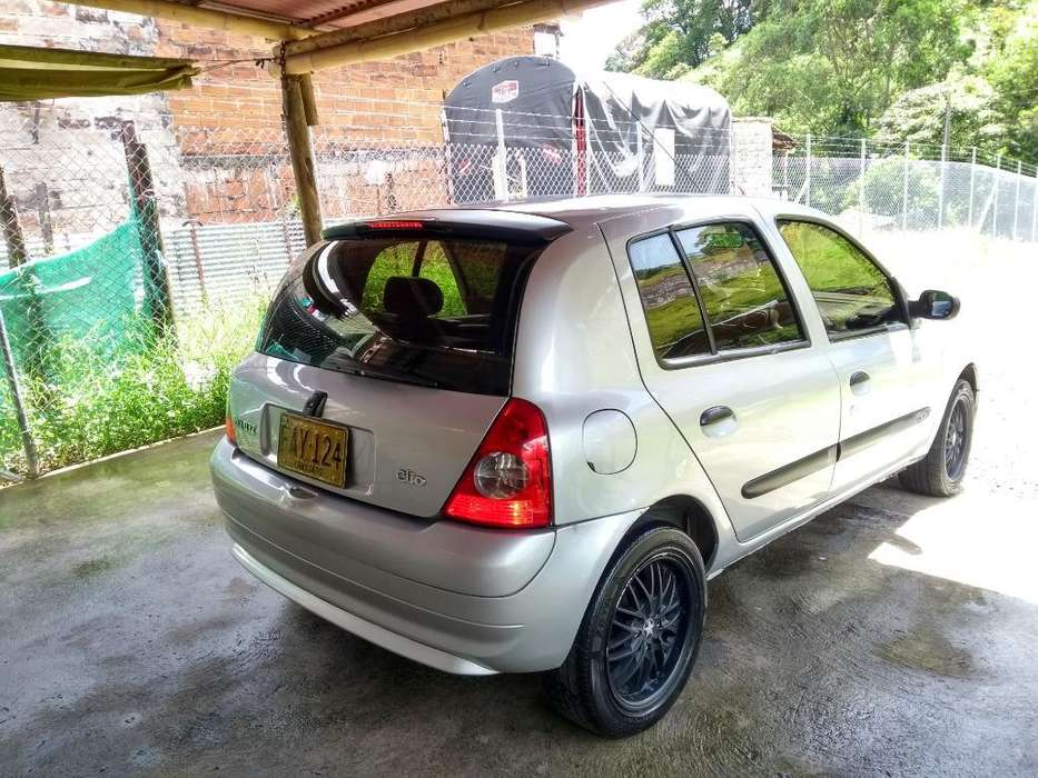 Renault Clio  2005 - 184000 km
