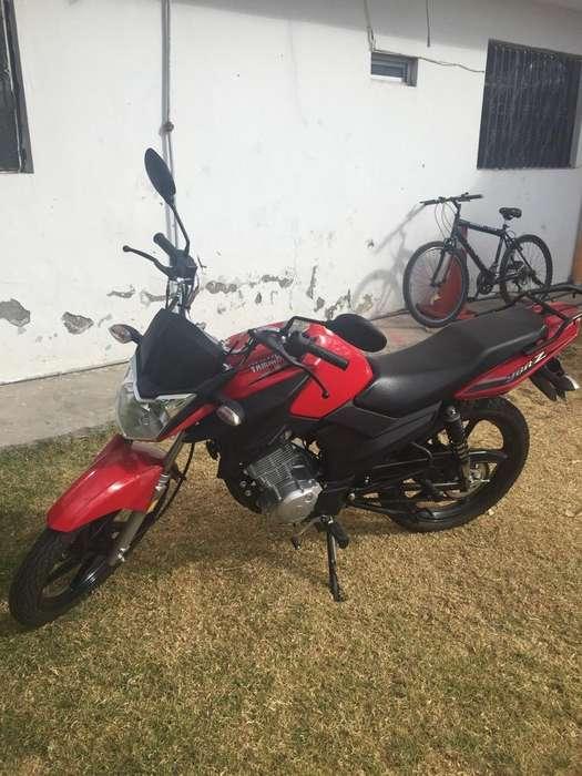 Moto Yamaha como <strong>nueva</strong>