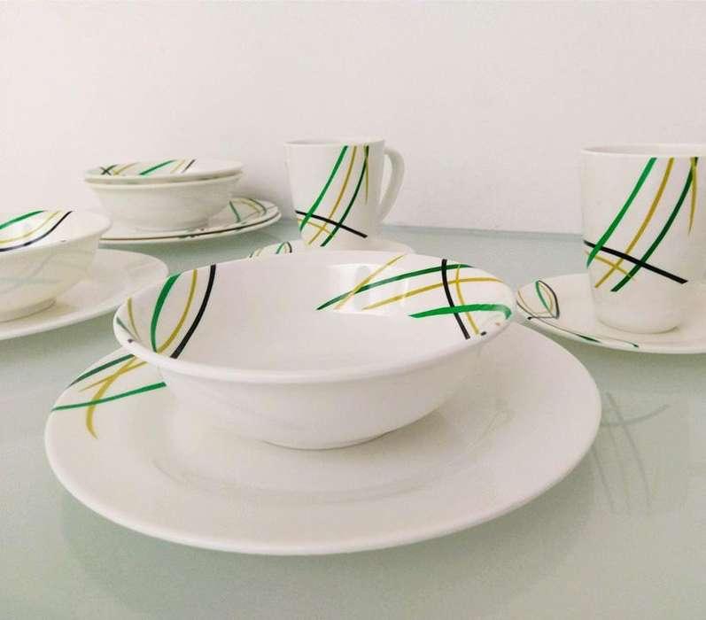 Vajilla plástica con diseño a color - Corona (4 Puestos)16 Piezas
